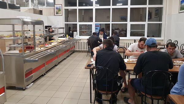 Часть застрявших в аэропорту Внуково узбекистанцев разместили в общежитии - Sputnik Ўзбекистон