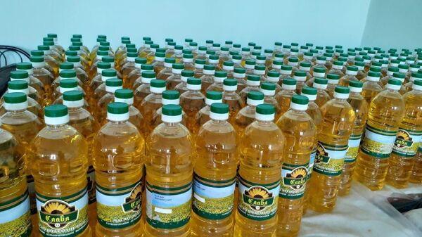 Растительное масло для нуждающихся слоев населения в Узбекистане - Sputnik Узбекистан