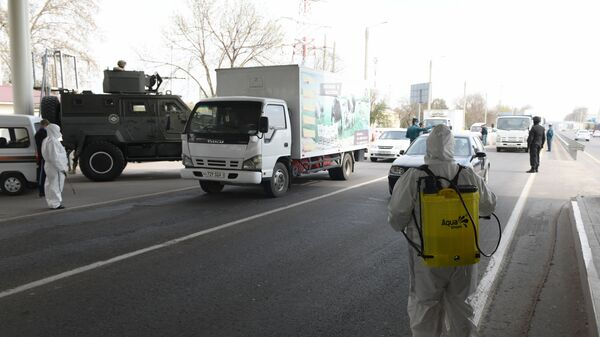 Контрольно пропускной пункт Рахат при въезде в Ташкент - Sputnik Ўзбекистон