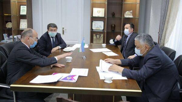 Состоялась встреча сенаторов и председателя Палаты адвокатов - Sputnik Узбекистан
