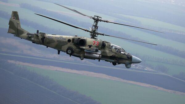 Vertolet Ka-52 Alligator vo vremya letno-takticheskix ucheniy v Krasnodarskom kraye - Sputnik Oʻzbekiston