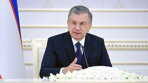Шавкат Мирзиёев провел видеоселекторное совещание по вопросам смягчения негативного воздействия коронавирусной пандемии на страну - Sputnik Ўзбекистон