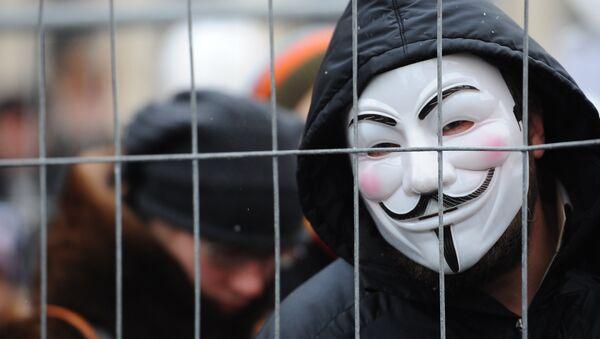 anonymous маска кийган одам - Sputnik Ўзбекистон