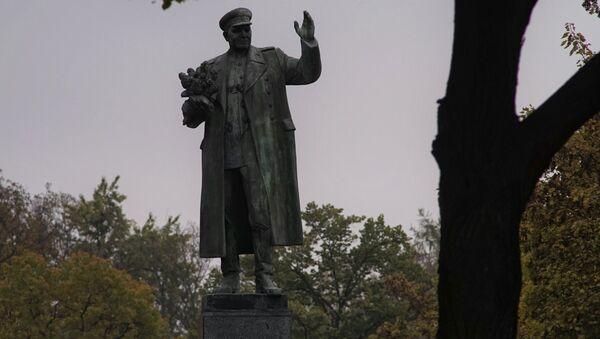 Памятник маршалу Коневу в Праге - Sputnik Ўзбекистон