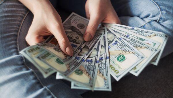 Доллары США  - Sputnik Ўзбекистон