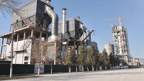 Завод Ахангаранцемент - Sputnik Узбекистан