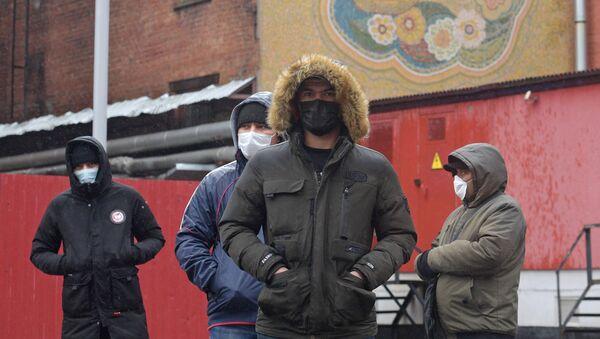 Очереди мигрантов в УФМС - Sputnik Ўзбекистон