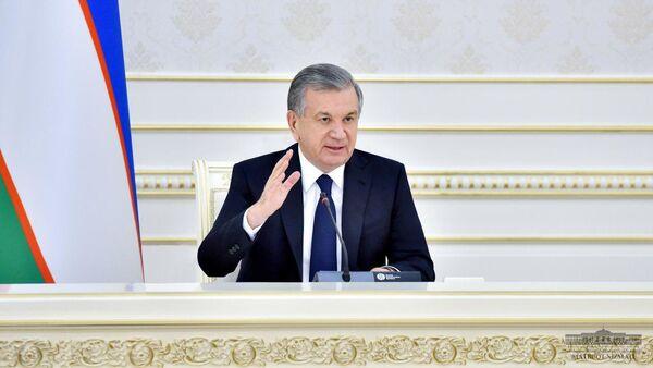 Шавкат Мирзиёев поручил смягчить карантин - Sputnik Ўзбекистон