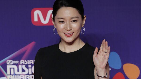Посол туристического бренда Узбекистана в Республике Корея актриса Ли Ён Э - Sputnik Ўзбекистон