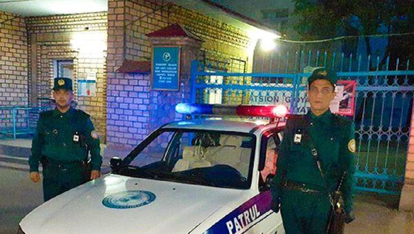Патрульные в Ташкенте приняли роды у девушки прям в машине ППС - Sputnik Узбекистан