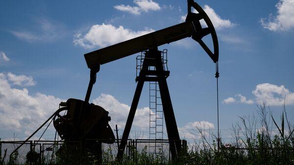 Нефтяной станок-качалка - Sputnik Ўзбекистон