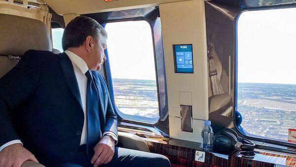 Президент Республики Узбекистан Шавкат Мирзиёев, прибыв в Бухарскую область, побывал в наиболее пострадавших от стихии местах - Sputnik Ўзбекистон
