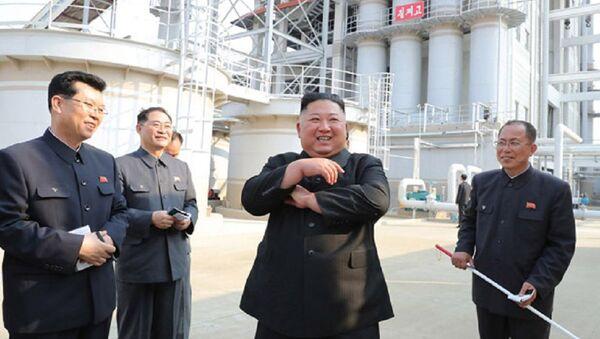 Ким Чен Ын появился на публике впервые за 20 дней - фото - Sputnik Ўзбекистон