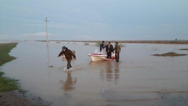 Из-за прорыва дамбы в Сырдарье, в Казахстане эвакуировали жителей сел - Sputnik Ўзбекистон