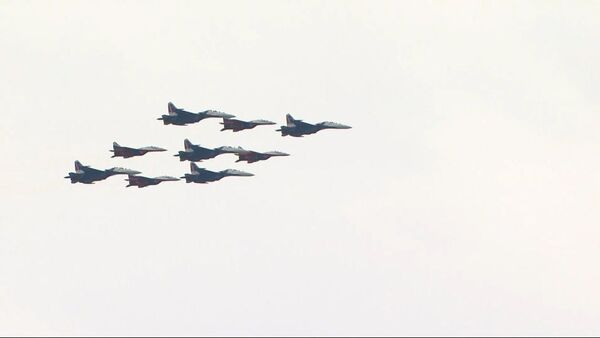 Репетиция воздушной части Парада Победы прошла в Москве - Sputnik Узбекистан