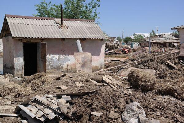 Последствия прорыва на Сардобинском водохранилище - Sputnik Узбекистан