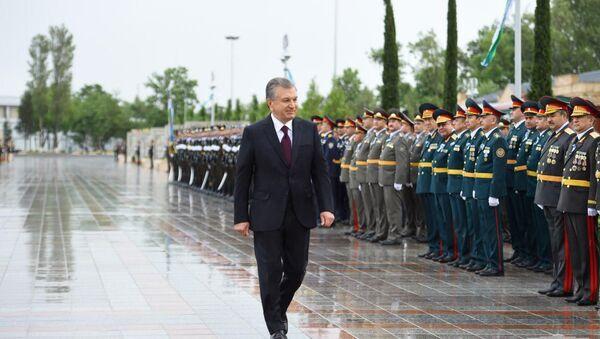 Shavkat Mirziyoyev vozlojil tsvetы k memorialnomu kompleksu Oda stoykosti - Sputnik Oʻzbekiston