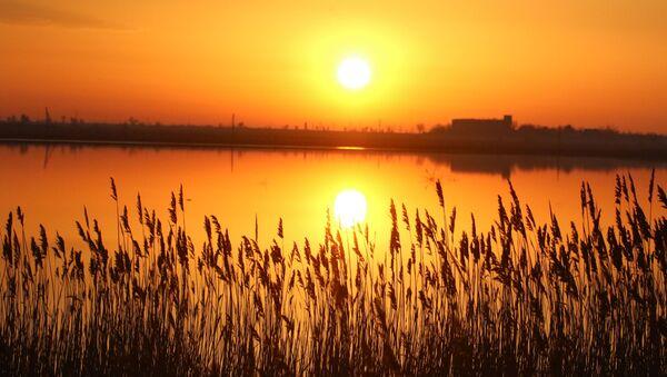 Рассвет над озером  - Sputnik Узбекистан