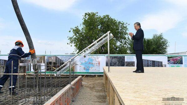 Vizit prezidenta Uzbekistana Shavkata Mirziyoyeva v Sыrdarinskuyu oblast - Sputnik Oʻzbekiston