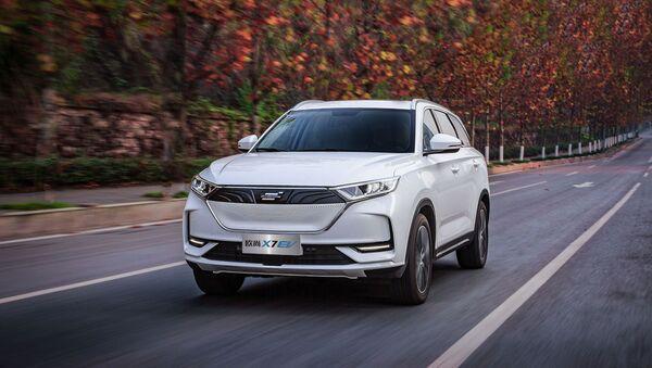 Автомобиль Oshan X7 EV - Sputnik Узбекистан