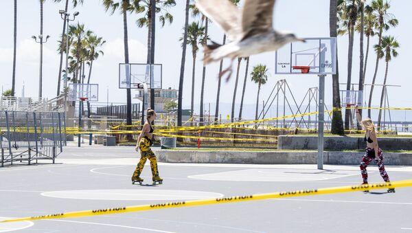 Открытие пляжей в Лос-Анджелесе - Sputnik Ўзбекистон