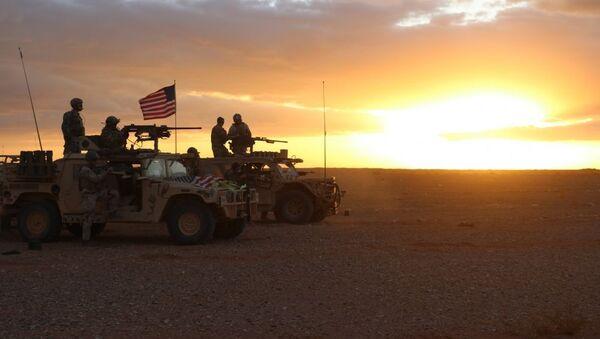 Американские военнослужащие в районе населенного пункта Эт-Танф, Сирия - Sputnik Ўзбекистон
