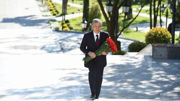 V Tashkente otkrыta Alleya literatorov - Sputnik Oʻzbekiston