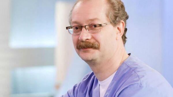 Педиатр, иммунолог-аллерголог, соведущий программы Жить Здорово  Андрей Продеус  - Sputnik Ўзбекистон