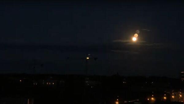 Появилось видео полутеневого затмения клубничной Луны - Sputnik Узбекистан