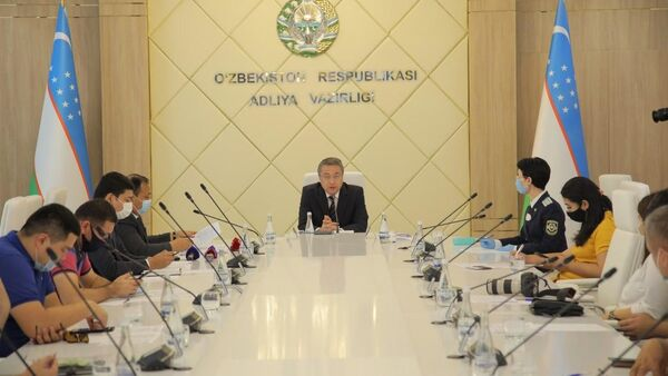 Обсуждение проекта закона О государственной гражданской службе - Sputnik Ўзбекистон