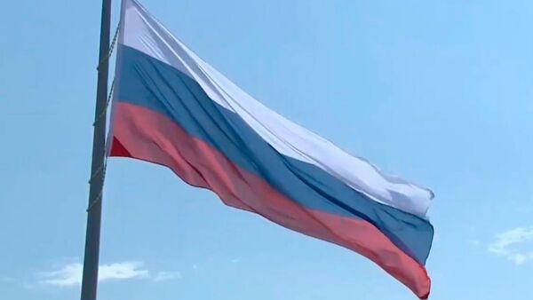 Vrucheniye Gosnagrad i tseremoniya pod'yema gosudarstvennogo flaga Rossii - Sputnik Oʻzbekiston