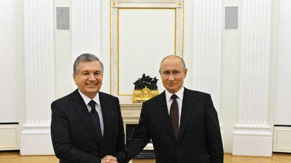 Shavkat Mirziyoyev i Vladimir Putin proveli peregovorы - Sputnik Oʻzbekiston