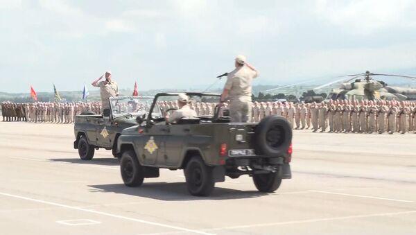 Российские военные провели парад Победы в Сирии - Sputnik Узбекистан