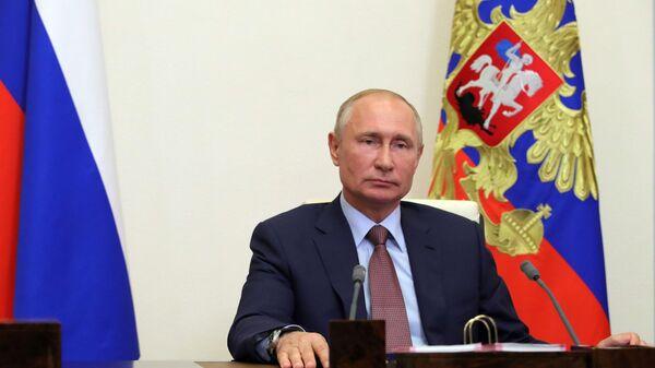 Prezident RF Vladimir Putin - Sputnik Oʻzbekiston