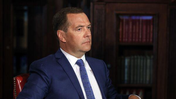 Заместитель председателя Совбеза РФ Д. Медведев дал интервью ИД Комсомольская правда - Sputnik Ўзбекистон