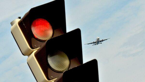 Samolet v aeroportu - Sputnik Oʻzbekiston