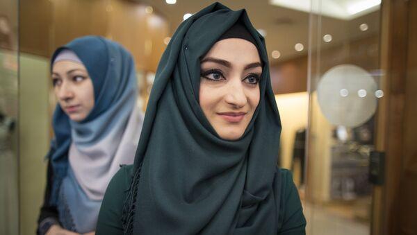 Российские женщины-мусульманки в хиджабах - Sputnik Узбекистан