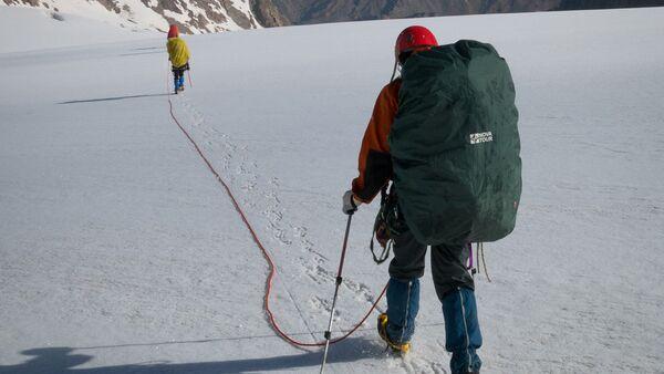 Альпинисты в горах - Sputnik Ўзбекистон
