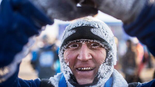 25-й Рождественский полумарафон в Омске - Sputnik Ўзбекистон