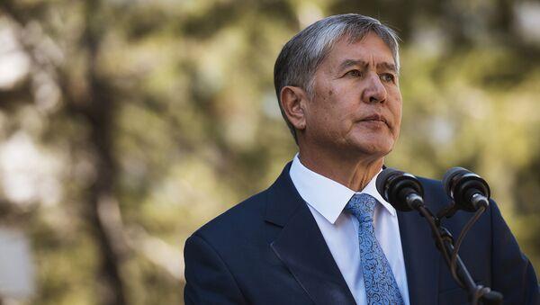 Qirgʻiziston prezidenti Almazbek Atambayev - Sputnik Oʻzbekiston