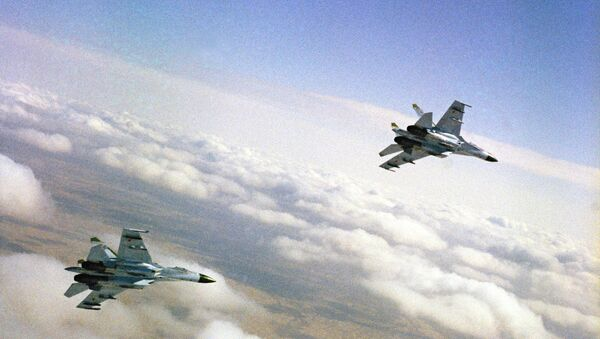 Rossiyskiye istrebiteli Su-27 - Sputnik Oʻzbekiston