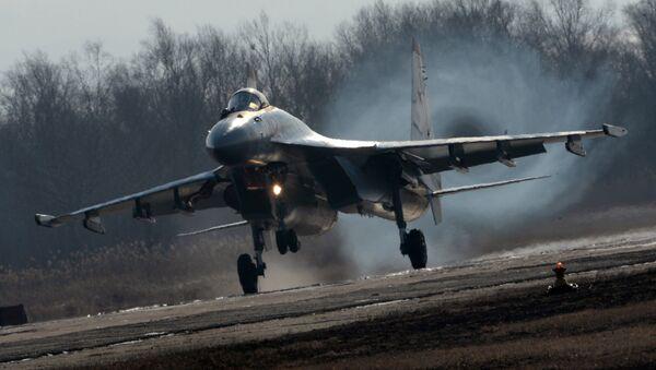 Su-35S qiruvchisi. - Sputnik Oʻzbekiston