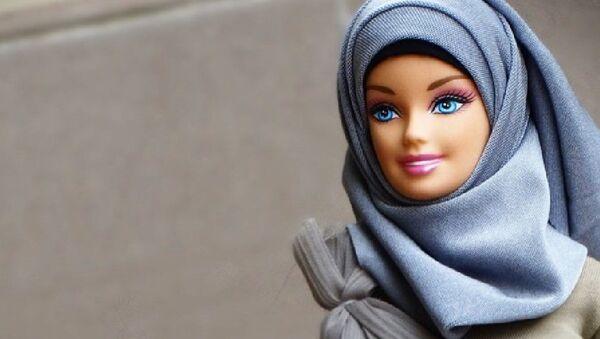 Кукла Барби в хиджабе - Sputnik Ўзбекистон