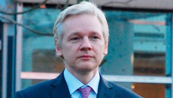 Slushaniya po delu ob ekstraditsii v Shvetsiyu osnovatelya WikiLeaks Djuliana Assanja v sude v Londone - Sputnik Oʻzbekiston