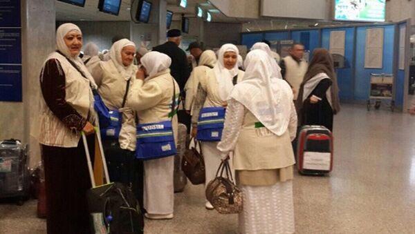 Группа паломников в Саудовскую Аравию из Узбекистана - Sputnik Ўзбекистон