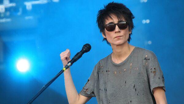 Певица Земфира выступает на рок-фестивале - Sputnik Узбекистан