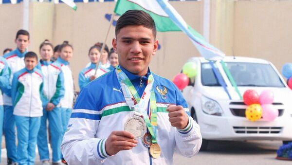 Узбекский боксер Муроджон Ахмадалие - Sputnik Узбекистан
