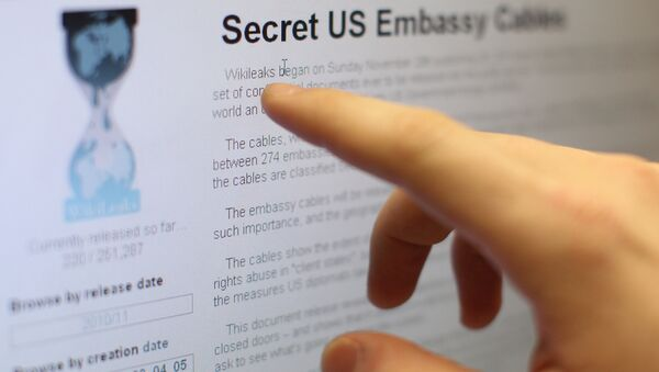 Polzovateli interneta chitayut sayt WikiLeaks - Sputnik Oʻzbekiston