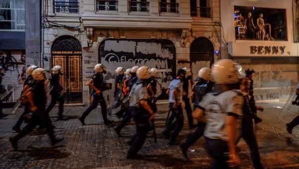 Turkiya politsiya xizmati. - Sputnik Oʻzbekiston