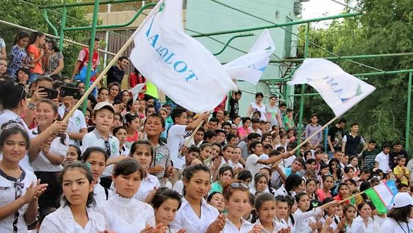 Kamolot yoshlar harakati faollari - Sputnik Oʻzbekiston
